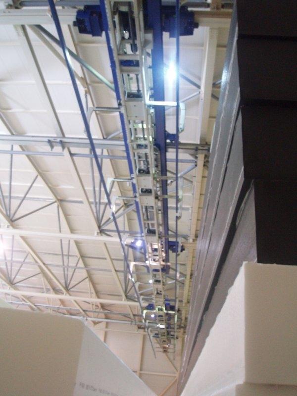 Tehtanje 60 m dolgega bloka pen. gume - konstrukcija dvigala